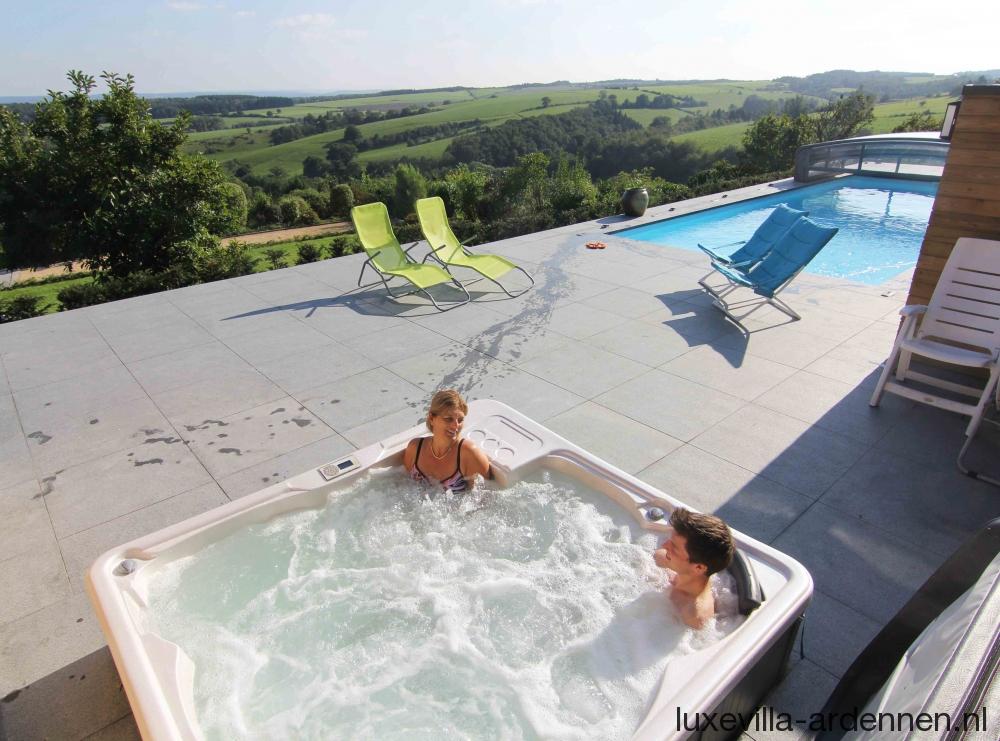 Villa beauxregards villa ardennen for Huisje met sauna en jacuzzi 2 personen