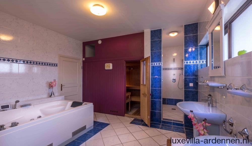 Luxe Villa Badkamer : Luxe villa te huur slaapkamers badkamers zoutwater zwembad
